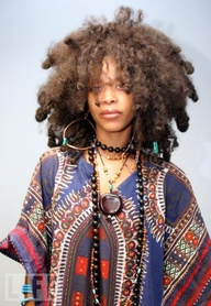 POETIC FACES IN APRIL- Erykah Badu is lovely, not just because of her wonderfully HomemadeVINTAGEeccentric look, but because she is an exceptional artist with some of the best lyrics I've ever heard. Every single album is greatness!
