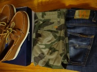 Love the tan shoes with camo...