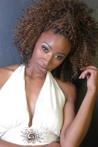 Modeling for Sanata Magazine: http://www.ebraiding.net/magazine_check.php