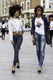 2 Girls 8
